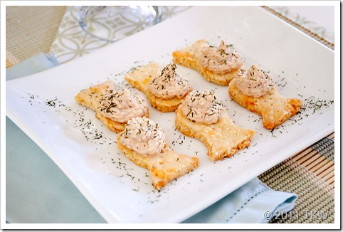 Salmon Creme and Crackers_121011_0023