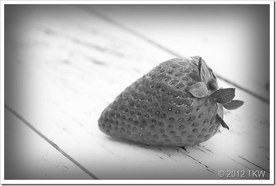 1 BW Strawberries_120424_0043