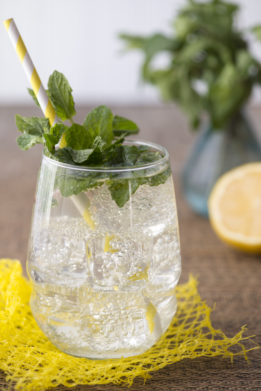 lemon, ginger, Syrup, Cocktails, gin, mint, juniper berries, Montana food photography